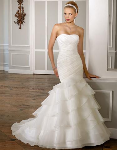 Салоны где принимают бу свадебные платья